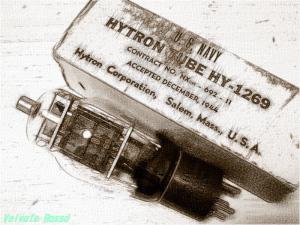 真空管HY-1269 鉛筆スケッチ画