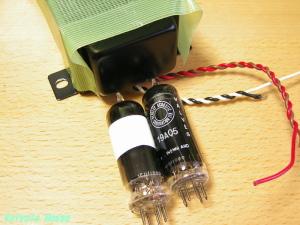 19AQ5ヘッドフォンアンプ用の電源トランスと、ブライマー19AQ5