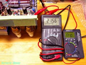 B電圧と出力段バイアスの計測作業