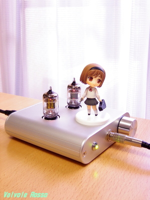WE408A hybrid Headphone Amplifier & ヘンリエッタ にいてんご Toys Works Collection 2.5  GUNSLINGER GIRL Henrietta Pre-Painted PVC Trading Figure