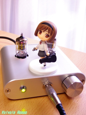 WE408A hybrid Headphone Amplifier (Tube Headphone Amplifier) & ヘンリエッタ にいてんご Toys Works Collection 2.5  GUNSLINGER GIRL Henrietta Pre-Painted PVC Trading Figure