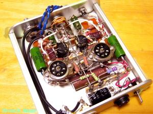 WE408A hybrid Headphone Amplifier ボリュームからのシールド線をハンダ付けします。