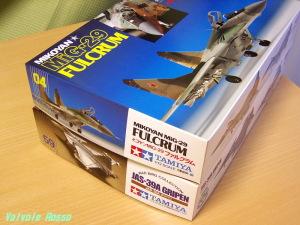 タミヤ 1/72 ウォーバードコレクション MiG-29ファルクラム JAS-39グリペン