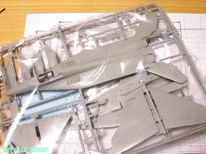 MiG-29ファルクラムは、機体が大きくなるのでダメっぽい。