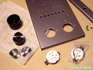 RC5B専用ソケットを取り付けるφ30穴を開けます。取り付けピッチは38。
