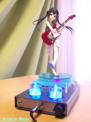 Panasonic LUMIX DMC-F7(焦点距離70mm相当)で撮影 Movic(Kotobukiya) 1/8 Scale Pre-painted PVC Figure K-ON! Azusa Nakano TESLA RC5B VISHAY IRF610 hybrid Headphone Amplifier (Tube Headphone Amplifier)