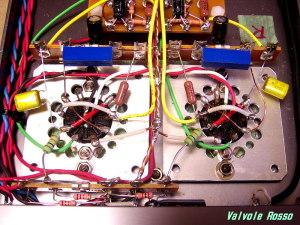 段間カップリングと負荷抵抗、可変カソード抵抗となるポテンンショメータ(5KΩ)をハンダ付けします。