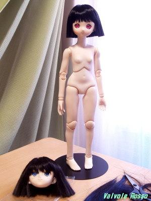 ARABOX 40cmボディ、Aiちゃん彩色済ヘッド、アニメベーシックアイ光彩Bピンク、前下がりボブ・ヘアカット加工ウィッグ(ブラック)