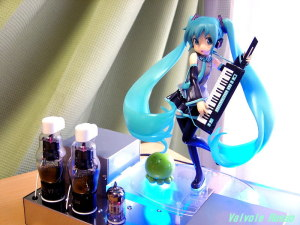12AX7(6N2P-EV)-38 Single Ended Amplifier (Tube Headphone Amplifier) Max Factory 1/7 Scale PVC Figure Hatsune Miku : HSP ver. [ photo : Panasonic DMC-F7 ]