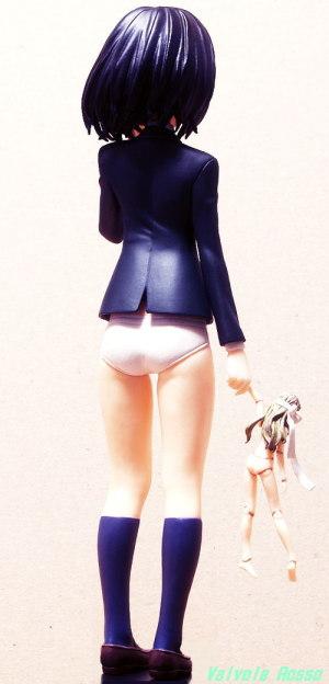 SEGAプライズ PMフィギュア Another : 見崎鳴 フォトショップで胴体と脚の長さを [ 1:1.25 ] くらいに修正してみた。