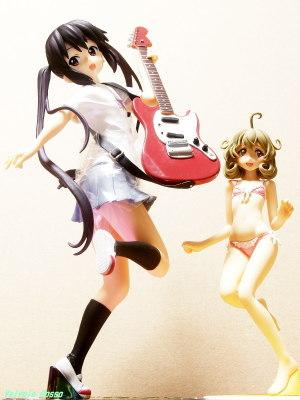 "SEGA Prize Premium Figure K-ON!! : Azusa Nakano ""Guitar, Elite"" & WAVE BEACH QUEENS 1/10 Scale PVC Figure Sasami-San@Ganbaranai : Sasami Tsukuyomi"