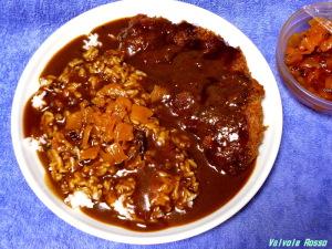 ハウス プロクオリティ カレーで作る、カツカレーは大変美味しい。日本ハムのレストラン仕様も家カレーっぽくて、好きですけど。。。