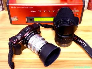 ライカM-マイクロフォーサーズ マウントアダプター を使用して、Panasonic LUMIX DMC-GF5 に LEICA Summicron M 50mm F2 を装着します。
