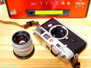 LEICA Summicron M 50mm F2 に ライカM-マイクロフォーサーズ マウントアダプター を装着します。