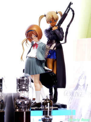 Good Smile Company GUNSLINGER GIRL Henrietta & Triela & 6DJ8-1626 Single Ended Amplifier Photo: Panasonic LUMIX DMC-GF5 & Leica Elmarit M 90mm F2.8