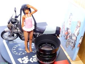 オリンパス・ズイコー28mmF3.5 と ファットカンパニー GSX400Sカタナ& けいおん 中野 梓 日焼けVer.
